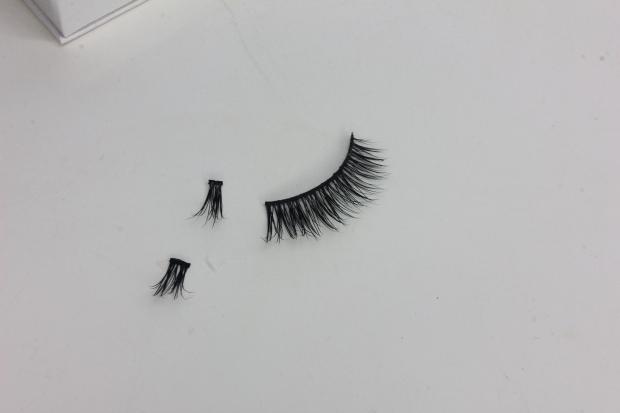 How to trim false lashes
