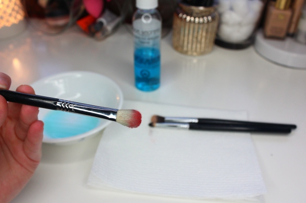 Face Secrets cosmetic brush cleanser review